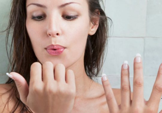 Treat-your-nails-very--you-carefully
